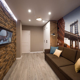 Exemple d'une chambre d'enfant industrielle de taille moyenne avec un bureau, un mur marron, sol en stratifié et un sol gris.