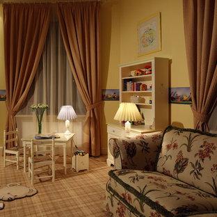 Новый формат декора квартиры: детская в классическом стиле с игровой комнатой, желтыми стенами и ковровым покрытием для девочек или мальчиков