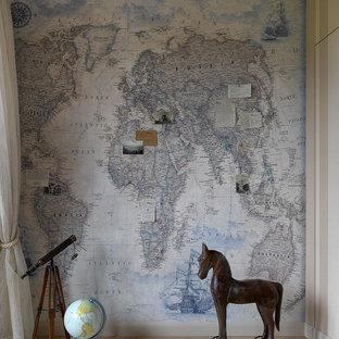 Idées déco pour une petite chambre de garçon bord de mer avec un mur multicolore et un sol en liège.
