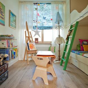 モスクワの北欧スタイルのおしゃれな子供部屋の写真