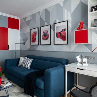 Новый формат декора квартиры: детская с игровой среднего размера в современном стиле с серыми стенами, полом из ламината и бежевым полом для ребенка от 4 до 10 лет, мальчика