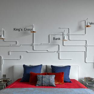 Идея дизайна: нейтральная детская в современном стиле с спальным местом и белыми стенами для подростка