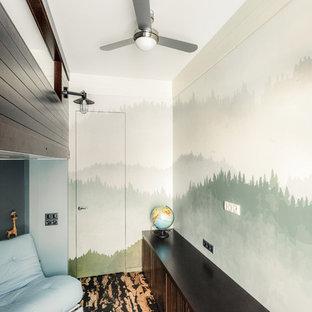 Inspiration för små moderna pojkrum kombinerat med lekrum och för 4-10-åringar, med gröna väggar och korkgolv