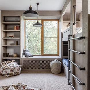 Свежая идея для дизайна: детская в современном стиле с спальным местом, бежевыми стенами, ковровым покрытием и бежевым полом для мальчика - отличное фото интерьера