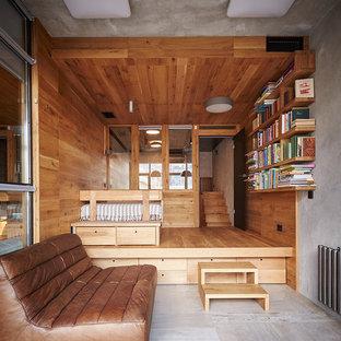 Новый формат декора квартиры: большая детская в современном стиле с спальным местом, серыми стенами, полом из керамической плитки и серым полом для ребенка от 4 до 10 лет, девочки или мальчика