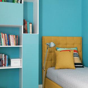 Неиссякаемый источник вдохновения для домашнего уюта: детская в современном стиле с спальным местом, синими стенами, паркетным полом среднего тона и коричневым полом для девочек или мальчиков