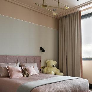 Свежая идея для дизайна: детская в современном стиле с спальным местом и розовыми стенами для девочки - отличное фото интерьера