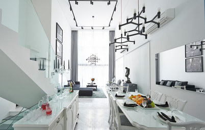 Houzz Tour: Monochromatic Luxury in a Split-Level Apartment