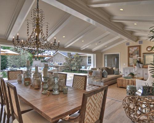 Formal Coastal Dining Room | Houzz
