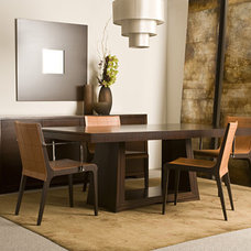 Contemporary Dining Room by Cliff Young Ltd.