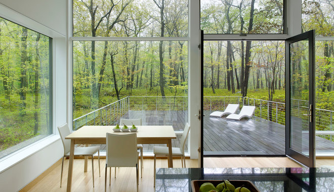 Modern Deck by River Architects