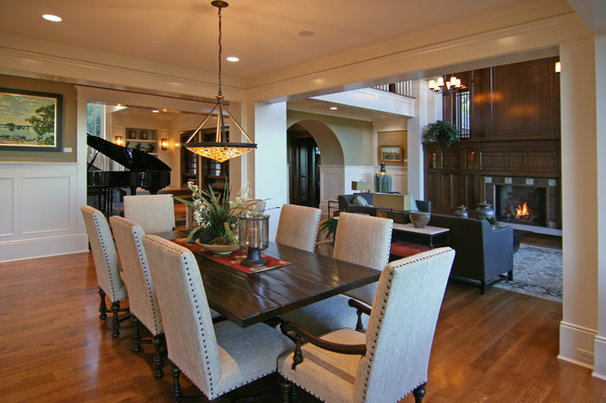 Contemporary Dining Room by Charles Cudd De Novo, LLC