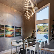 Contemporary Dining Room by AUSTIN DESIGN GROUP