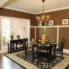 Traditional Dining Room by Gemini Homes Inc.