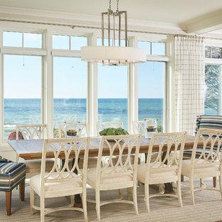 Ispirazione per una sala da pranzo costiera