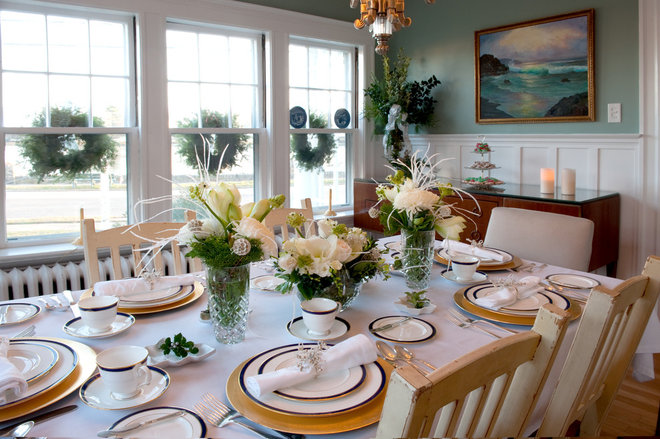 Traditional Dining Room by Mary Prince Photography