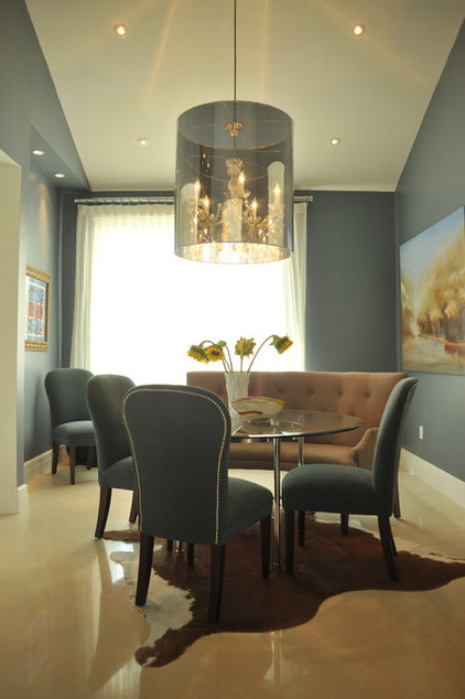 Traditional Dining Room by B.Design