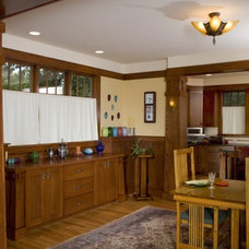 Traditional Dining Room by WEST STUDIO Architects & Construction Services