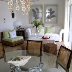 tropical dining room by Lucienne Carlo