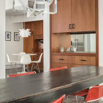 Acorn Again - Mid-century Modern Dining Room