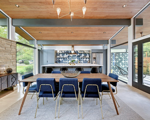 Example Of A Midcentury Modern Great Room Design In Austin