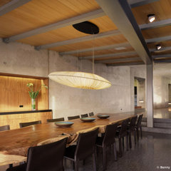 modern dining room by Marmol Radziner