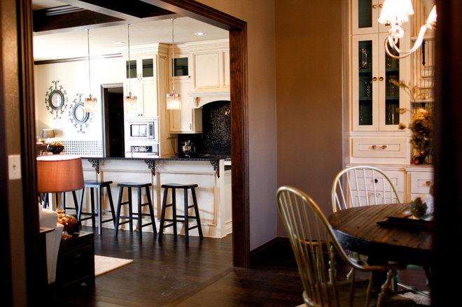 Traditional Dining Room Amanda Pack, Interior Design