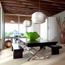 Contemporary Dining Room by Lee H. Skolnick Architecture & Design Partnership