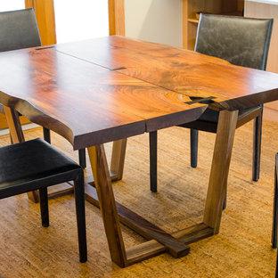 Ispirazione per una sala da pranzo contemporanea con pavimento in sughero