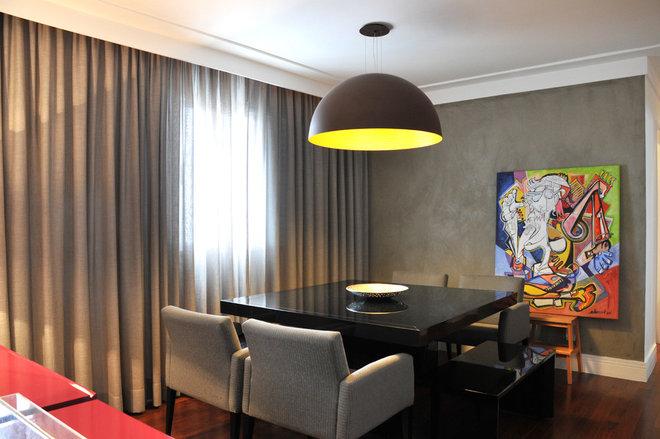 Contemporary Dining Room by elegueller arquitetos