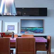 Contemporary Dining Room by Alessandro Guimaraes Photography