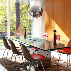 Modern Dining Room by Dlux Images