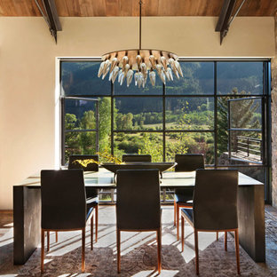 Merveilleux Example Of A Mountain Style Medium Tone Wood Floor And Brown Floor Dining  Room Design In