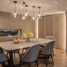 Contemporary Dining Room by Chinc's Workshop