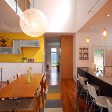 Modern Dining Room by Hive Modular, LLC