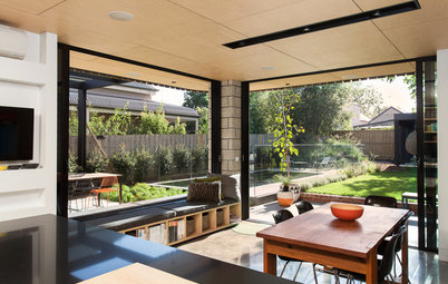 Houzz Tour: A Contemporary Addition Makes the Connections