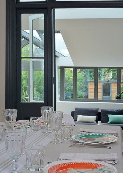 Modern Dining Room by Into interior design