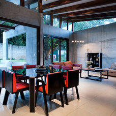 Contemporary Dining Room by MIA