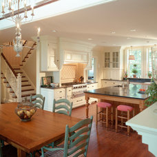 Traditional Dining Room by Brewster Thornton Group Architects, LLP