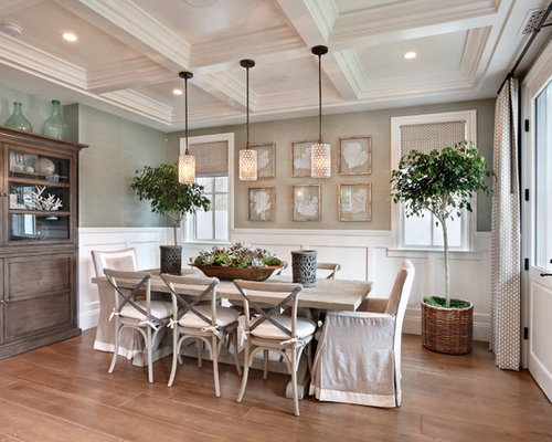 Design Ideas For A Beach Style Dining Room In Orange County With Grey  Walls, Medium