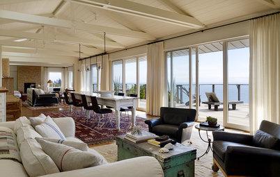 Houzz Tour: Weekend Beach House Provides a Serene Sea Setting