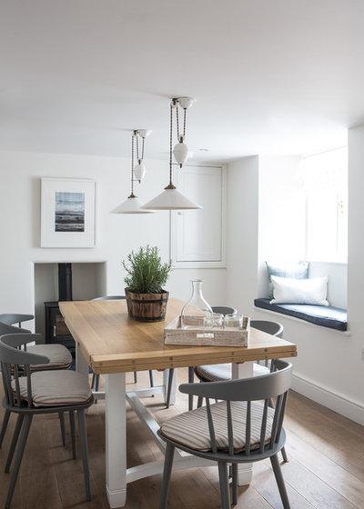 Coastal Dining Room by Wickenden Hutley