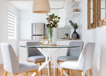 Love that dining table!