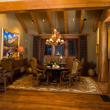 Traditional Dining Room by Centre Sky Architecture Ltd