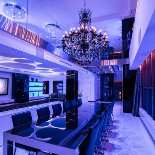 Idee per una grande sala da pranzo aperta verso il soggiorno minimalista con pareti bianche e pavimento in gres porcellanato