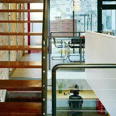 Modern Dining Room by Jordan Parnass Digital Architecture