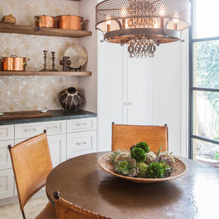 Bold, Organic Texture in Bellaire: Breakfast Nook