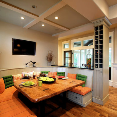 Example of a classic dining room design in Grand Rapids