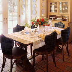 traditional dining room by ADEENI DESIGN GROUP