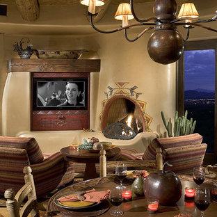 Idées déco pour une salle à manger sud-ouest américain.